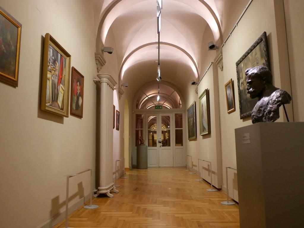 ヴロツワフ ブレスラウ  美術館 シロンスクの芸術都市 国立博物館   回廊ですらゆとりある展示 @Muzeum Narodowe we Wrocławi