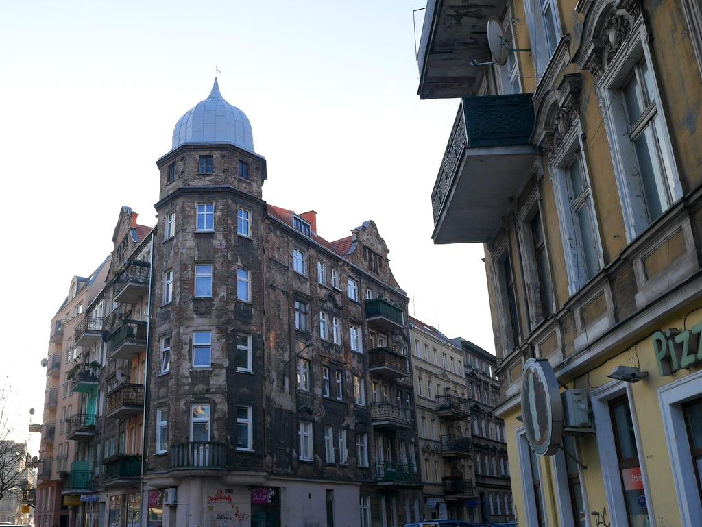 シロンスク シレジア 地方 ヴロツワフ ブロツワフ ブロツラフ ブレスラウ ナドドジェ  重厚な建物が建ち並ぶ @Nadodrze
