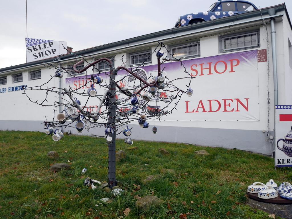 下シレジア地方 ポーランド  ボレスワヴィエツ ボレスワビエツ  ポーランド食器 ポーリッシュポタリーの樹が目印 @Pottery Store Cer-Far