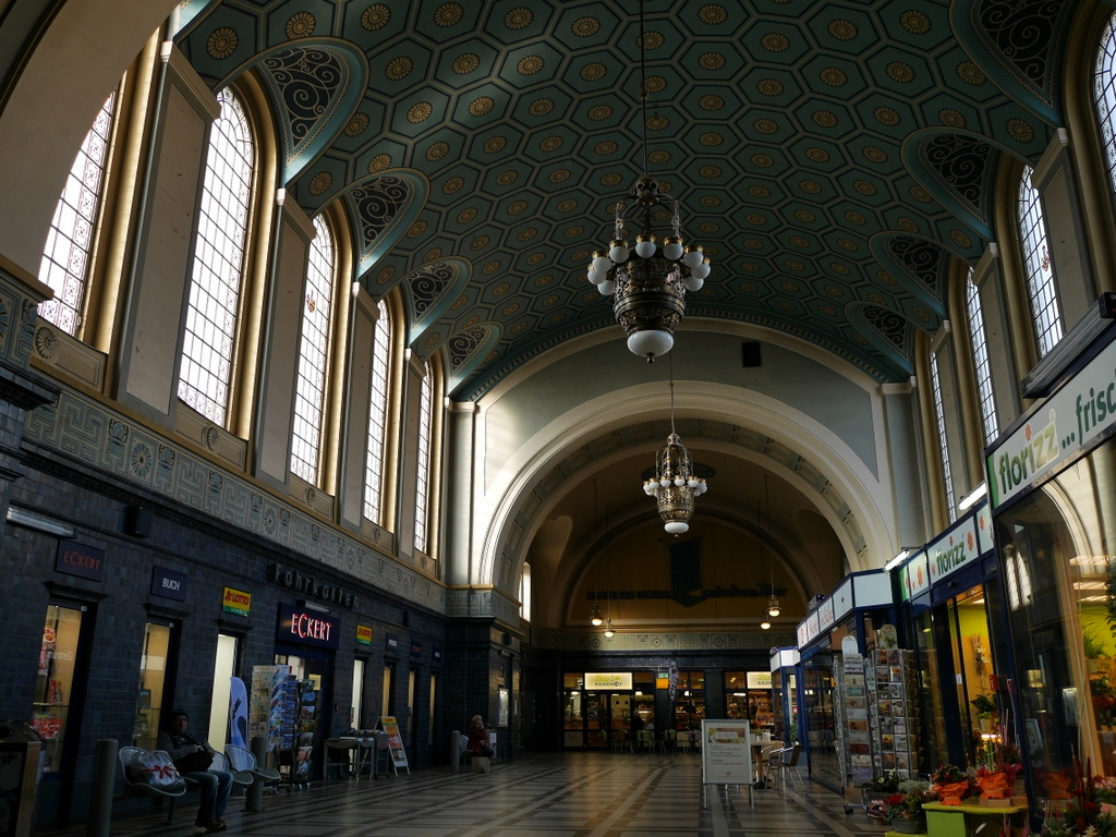 ゲルリッツ ドイツ ゲルリッツ駅 ザンクト ペテルス教会   ゲルリッツ駅庁舎内 @Bahnhof Görlitz