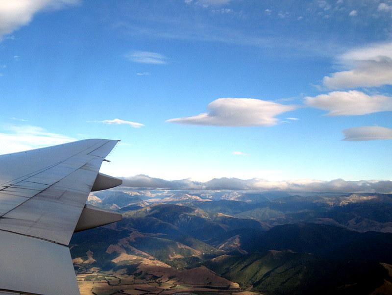 海外ツーリング ニュージーランド ロード オブ ザ リング オートバイレンタル クライストチャーチ 空港 クライストチャーチ国際空港アプローチ時の眺め @Christchurch