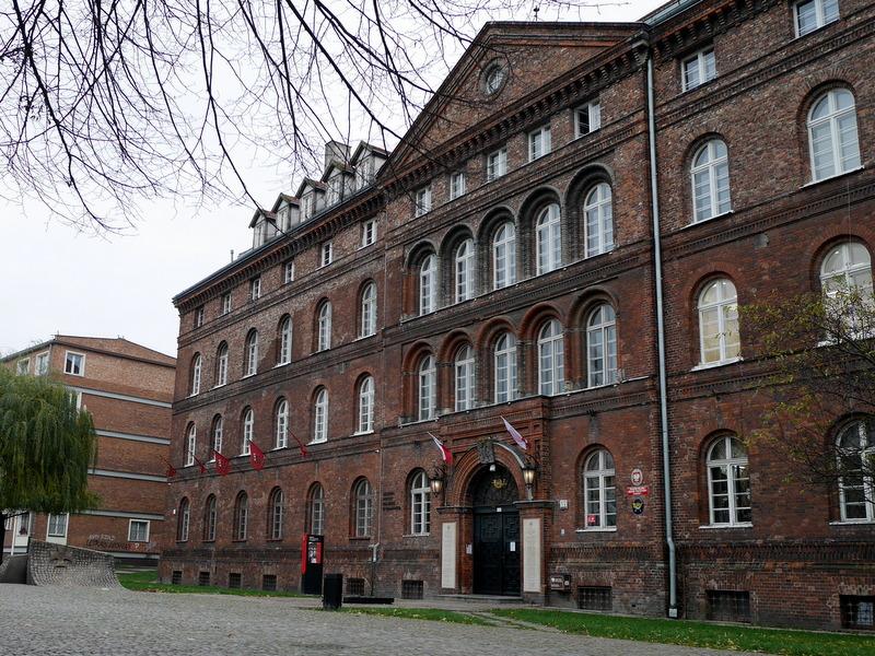 グダニスク グダンスク ダンツィヒ 博物館 戦争 ポーランド ポーランド郵便局 ポーランド郵便局外観 @Gdańsk