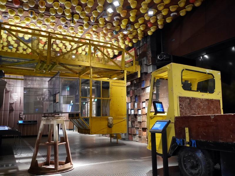 グダニスク グダンスク ダンツィヒ 博物館 戦争 ポーランド ヨーロッパ連帯センター 鉄工所を模した部屋 @Europejskie Centrum Solidarnośc