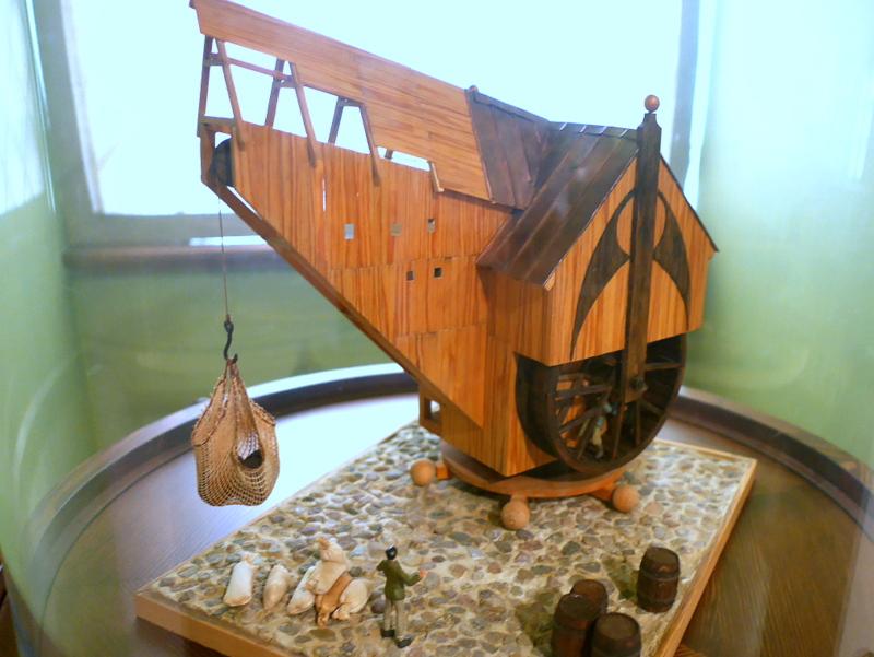 グダニスク グダンスク ダンツィヒ 博物館 港町 ポーランド 海事博物館 海洋博物館  クレーン博物館 大規模な車輪式クレーン模型 @Żuraw