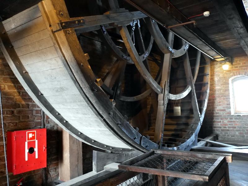 グダニスク グダンスク ダンツィヒ 博物館 港町 ポーランド 海事博物館 海洋博物館  クレーン博物館 上段の車輪 @Żuraw