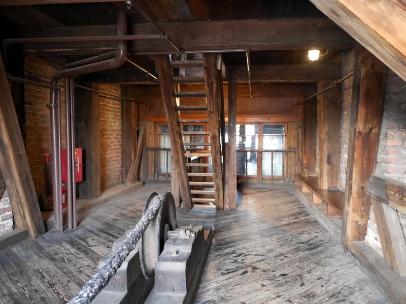 グダニスク グダンスク ダンツィヒ 博物館 港町 ポーランド 海事博物館 海洋博物館  クレーン博物館 小さな板階段 @Żuraw