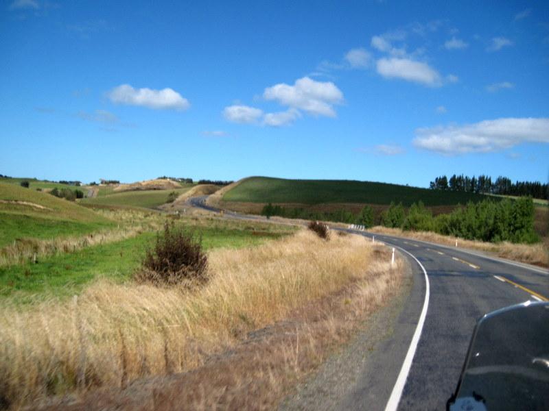 海外ツーリング ニュージーランド ロード オブ ザ リング オートバイレンタル ダニーデン カトリンズ地方 これぞツーリングという気持のよい天気 @Catlins Forest Park, Owaka