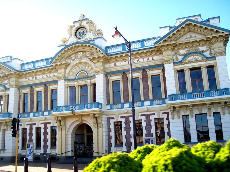 海外ツーリング ニュージーランド ロード オブ ザ リング オートバイレンタル インバカーギル シビック劇場 @Invercargill