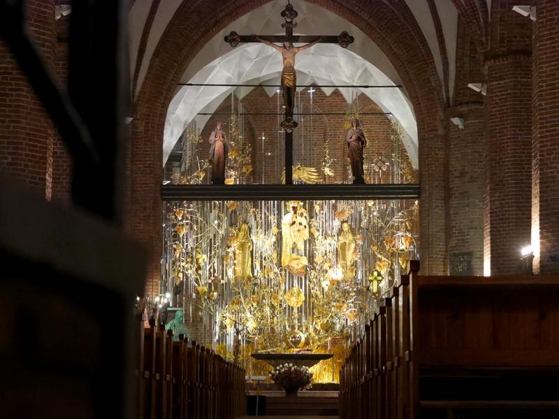 グダニスク グダンスク ダンツィヒ ポーランド 琥珀 聖ブリギダ教会 ヴェステルプラッテ 聖マリア教会  琥珀の祭壇 @Saint Bridget Church