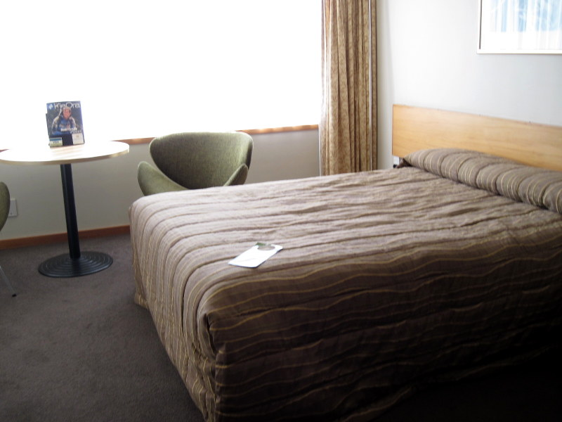 海外ツーリング ニュージーランド ロード オブ ザ リング オートバイレンタル テ アナウ ホテル室内 @Kingsgate Hotel Te Anau