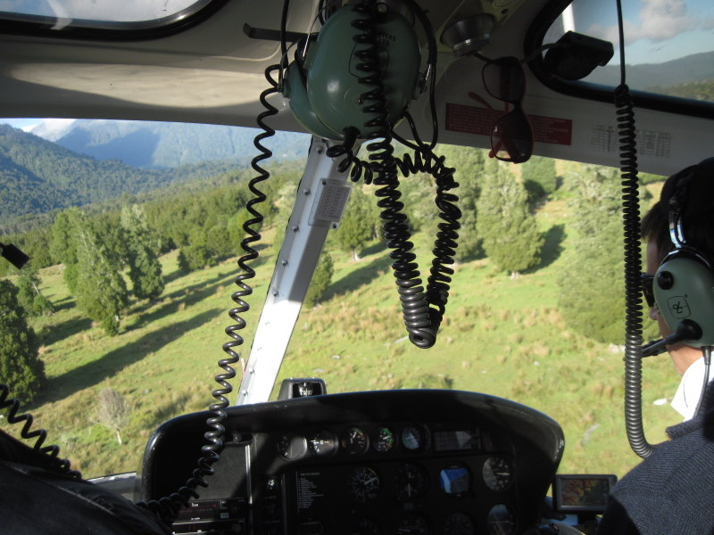 海外ツーリング ニュージーランド オートバイレンタル マウント クック 最高峰 アオラキ フォックス氷河 ヘリコプターツアー フォックス・グレイシャー  早々にヘリは離陸 @Fox Glacier