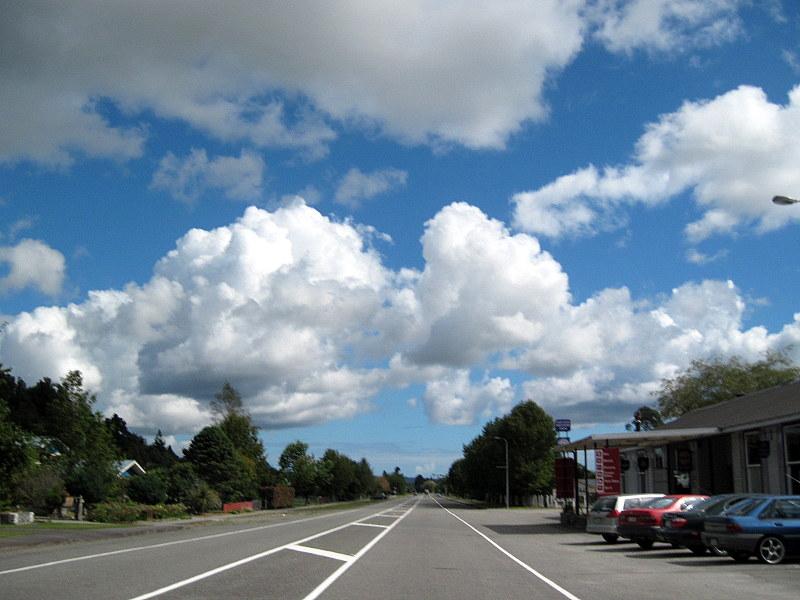 海外ツーリング ニュージーランド ロード オブ ザ リング オートバイレンタル ハリハリ タスマン海横断 ガイ メンジーズ  引続き好天の西海岸を走る @Harihari