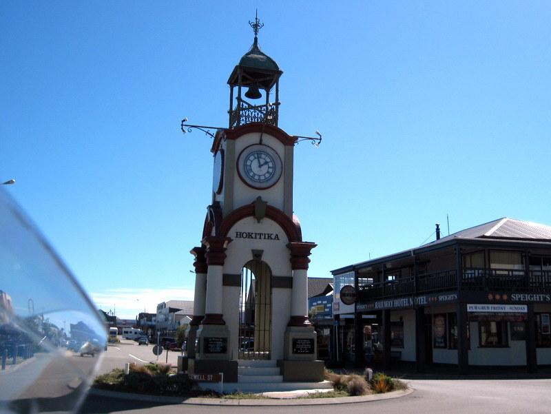 海外ツーリング ニュージーランド ロード オブ ザ リング オートバイレンタル 翡翠 ホキティカ  時計台 @Hokitika