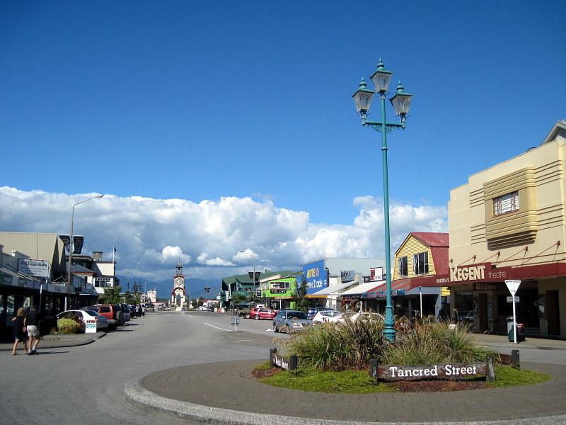 海外ツーリング ニュージーランド ロード オブ ザ リング オートバイレンタル 翡翠 ホキティカ  街並み @Hokitika