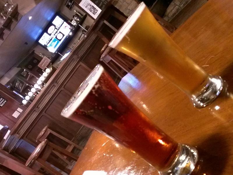 海外ツーリング ニュージーランド ロード オブ ザ リング オートバイレンタル グレイマウス 地ビール Monteith's  ビール2種 @Greymouth