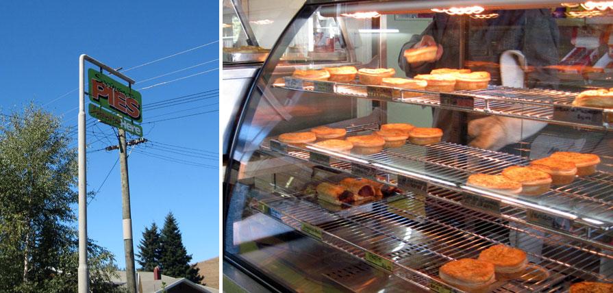 海外ツーリング ニュージーランド ロード オブ ザ リング オートバイレンタル サザンアルプス山脈 アーサーズ パス国立公園 翡翠街道 パイ専門店 パイ専門店の看板と店内のパイ @Springfield