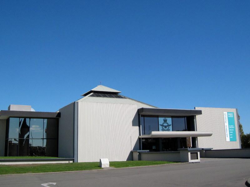 海外ツーリング ニュージーランド ロード オブ ザ リング オートバイレンタル クライストチャーチ ニュージーランド空軍博物館  ニュージーランド空軍博物館外観 @Christchurch
