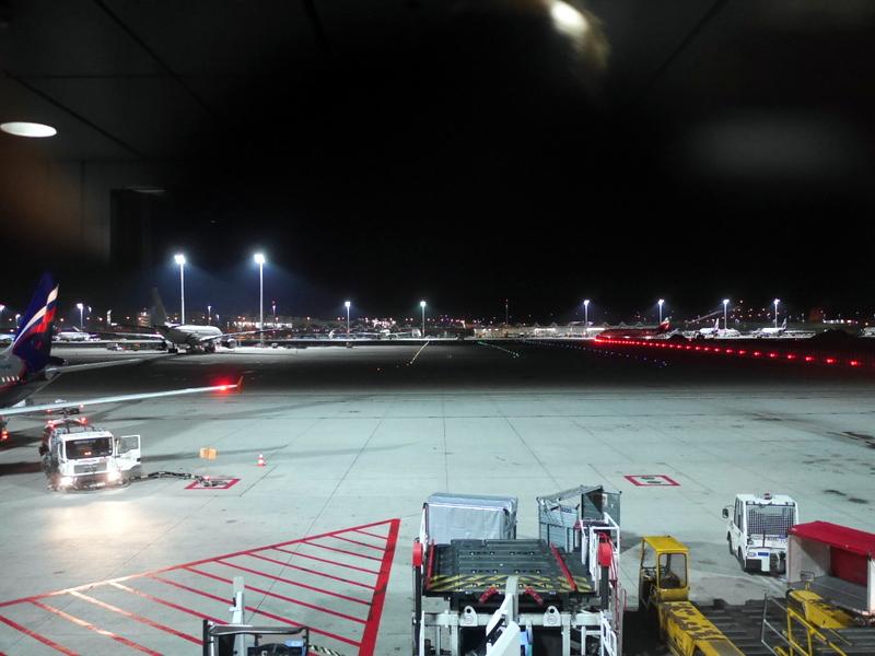 ミュンヘン 空港 夜のミュンヘン空港 @Munich Airport