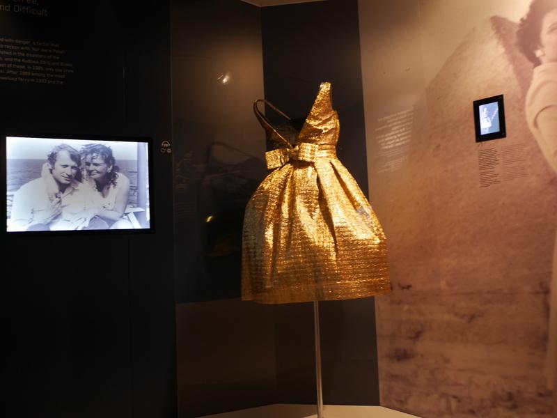 グダニスク グダンスク ダンツィヒ ポーランド グディニャ グディニャ博物館 グディニャ海軍博物館 駆逐艦ブリスカヴィカ グディニャ水族館 金色のドレス @Muzeum Miasta Gdyni