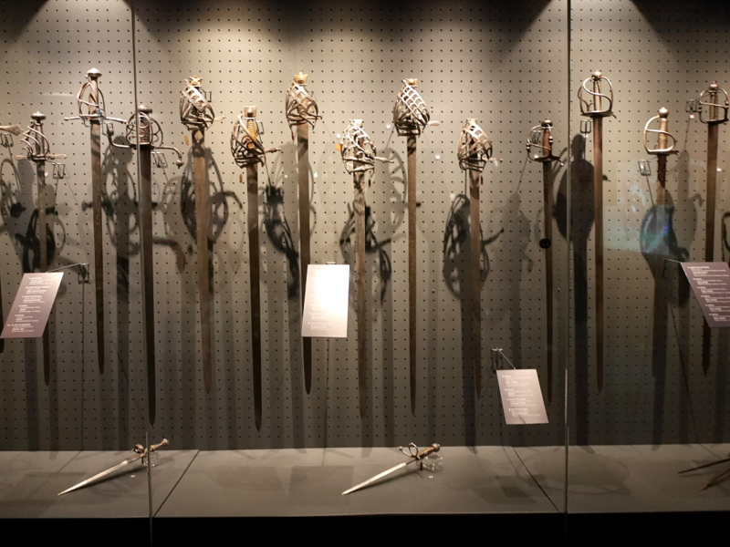 グダニスク ポーランド マルボルク城 タンネンベルクの戦い 北の十字軍 マリーエンブルク ドイツ騎士団   城内博物館の見事な刀剣の柄 @Zamek w Malborku