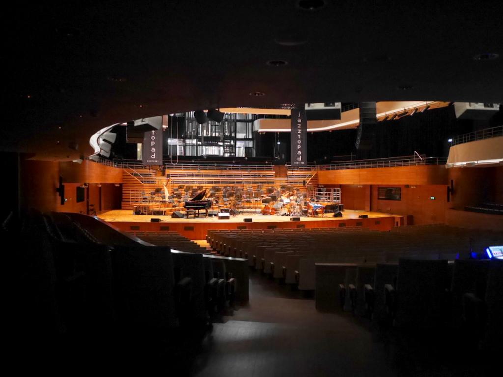 ヴロツワフ ブレスラウ シロンスクの芸術都市 オペラ座 NFM CDショップ  大ホール内 @NFM