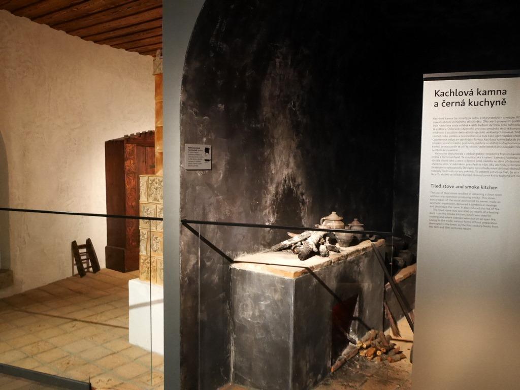 プルゼニ プルゼニュ ピルゼン チェコ ボヘミア 西ボヘミア博物館 陶器ストーブの裏側 @Západočeské muzeum v Plzni