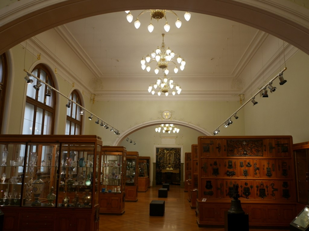 プルゼニ プルゼニュ ピルゼン チェコ ボヘミア 西ボヘミア博物館 上階の工芸関係の展示 @Západočeské muzeum v Plzni