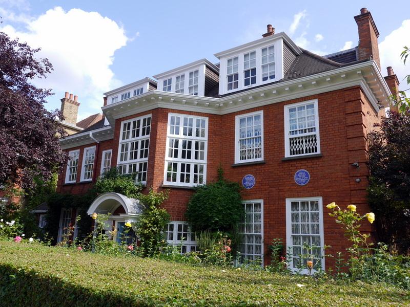 ロンドン 病院博物館  病院 フロイト博物館 聖トーマス病院  セント トーマス病院  フロイト博物館外観 @Freud Museum