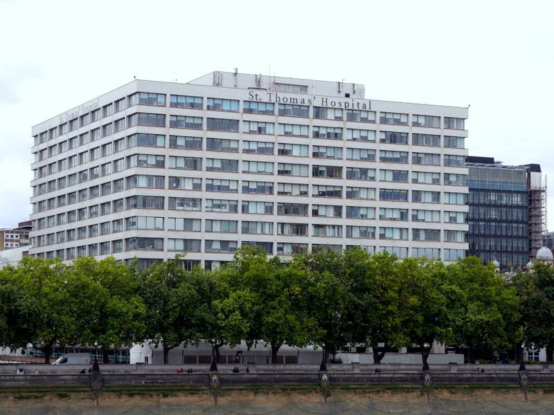 ロンドン 病院博物館  病院 フロイト博物館 聖トーマス病院  セント トーマス病院  セント・トーマス病院 新館外観 @St Thomas' Hospital