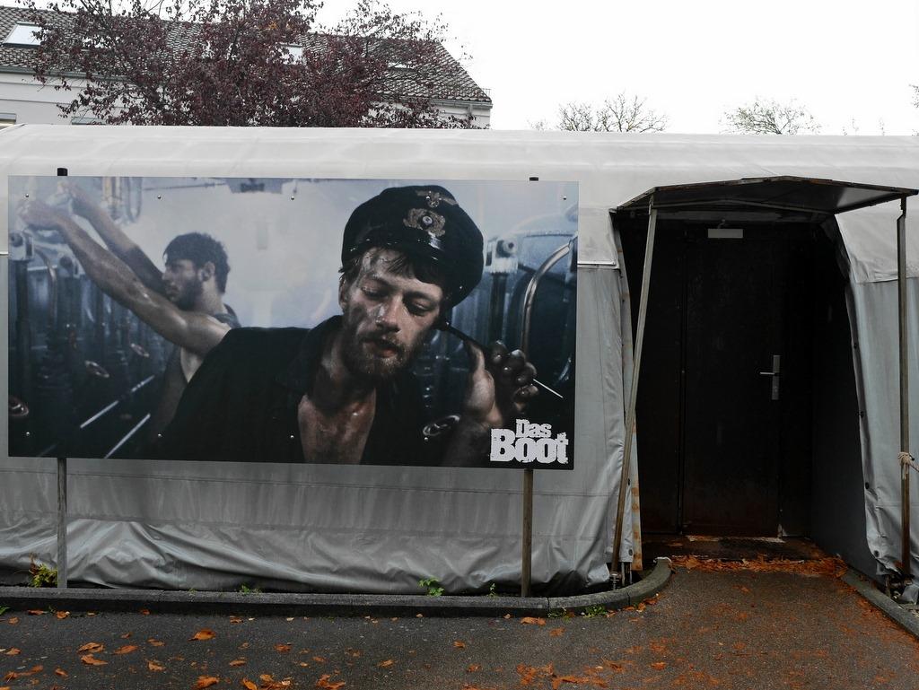 映画『U・ボート』セット入口横にある機関曹長のヨハンの写真パネル @Bavaria Filmstadt