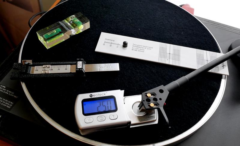 オーディオシステムの変遷-レコードプレーヤー編 / LINN AXIS  LP12の廉価版がまだまだ現役、オーバーハング調整ゲージやデジタル針圧計を使って調整を