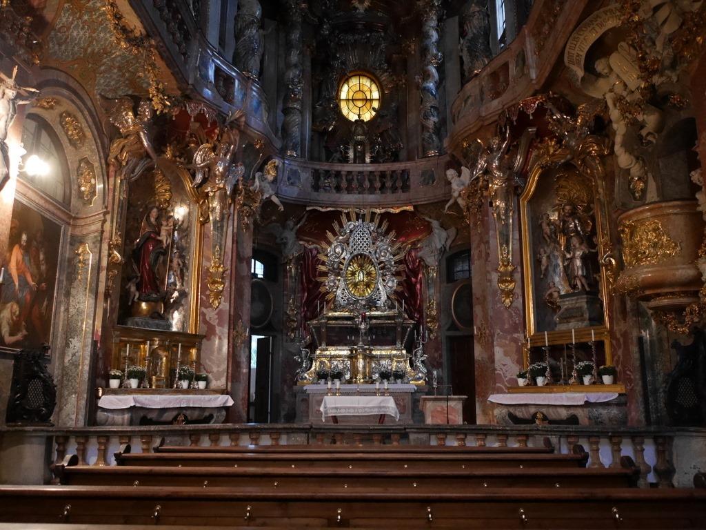 ミュンヘン レジデンツ  グロット宮殿 ニンフェンブルク城 アザム教会 旧植物園 アザム教会内部@Asamkirche