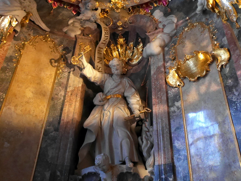 ミュンヘン レジデンツ  グロット宮殿 ニンフェンブルク城 アザム教会 旧植物園 天国と地上の2つの鍵を持つ使徒ペテロの像 @Asamkirche