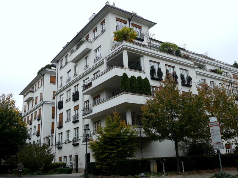 ミュンヘン レジデンツ  グロット宮殿 ニンフェンブルク城 アザム教会 旧植物園 公園周囲のアパート @Alter Botanischer Garten
