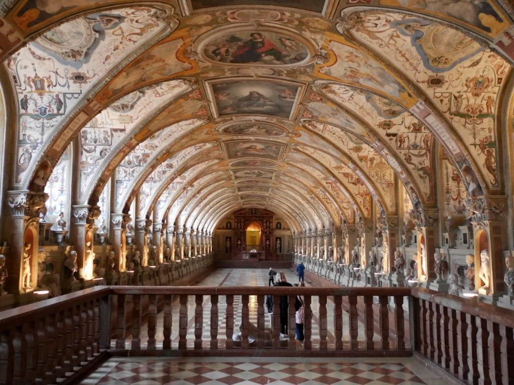 ミュンヘン レジデンツ  グロット宮殿 ニンフェンブルク城 アザム教会 旧植物園 大広間「アンティカリウム」 @Residenz München
