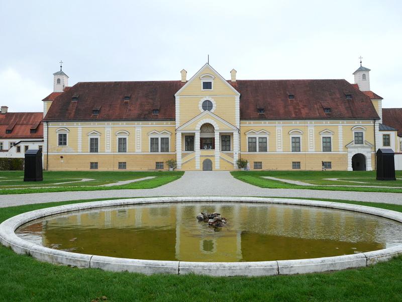 ミュンヘン 美術館 コンビチケット シュライスハイム城 バイエルン州立美術館 アルテスシュライスハイム城外観 @Schloss Schleißheim