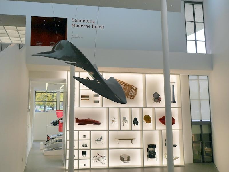 ミュンヘン 美術館  芸術の都でアートを堪能 アルテ ノイエ モデルネ ピナコテーク 地下は工業デザイン @Pinakothek der Moderne