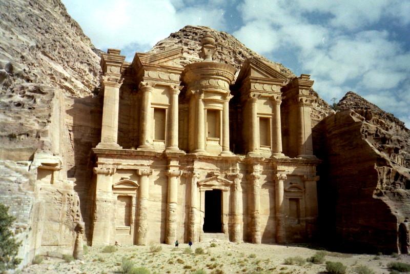 オリーブ石鹸 シリア ヨルダン 古代オリエント博物館 ペトラ  エド・ディル (Ad Deir) 遺跡 @Petra