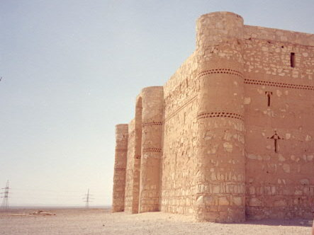 オリーブ石鹸 シリア ヨルダン 古代オリエント博物館 ハラナ城外観 @Qasr Kharanah