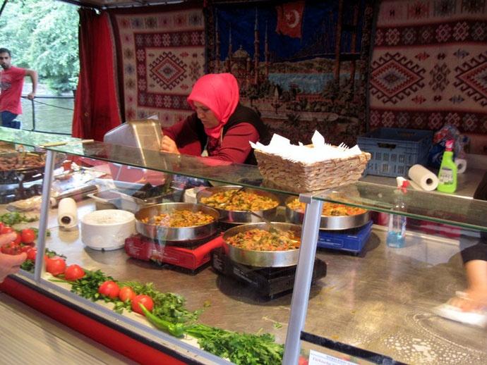クロイツベルク トルコ料理の屋台 @Türkischer Markt Neukölln Maybachufer ベルリン