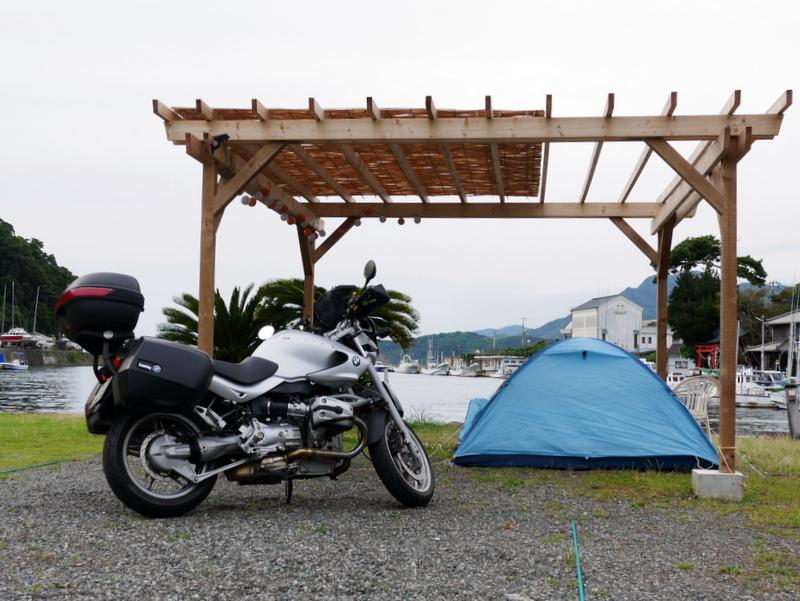 港に面したキャンプ場 @伊豆松崎 あそび島