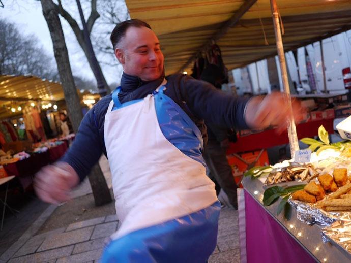 ダンスまで披露してくれたパリの魚屋さん @Marché Bastille バスティーユ パリ
