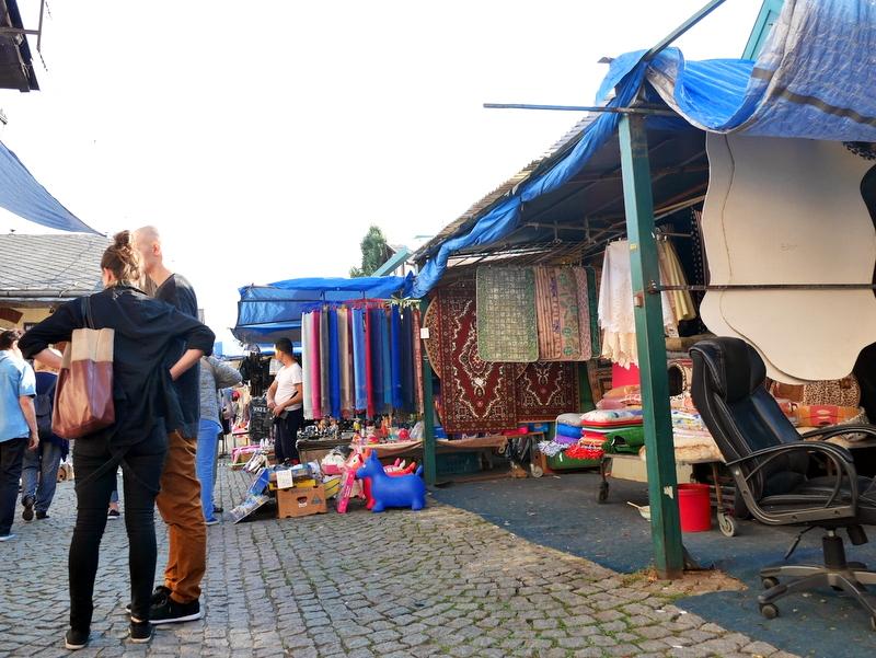 ファブリック類が多い市場 @Pražská tržnice プラハ